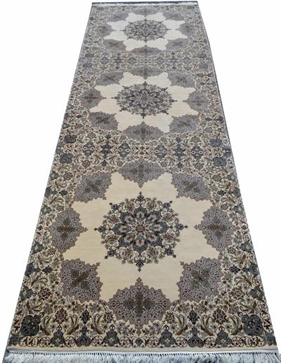 Runner Isfahan One of a Kind Silk Persian Rug